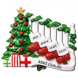 Személyre szabható családi karácsonyfadísz 4 fős családnak